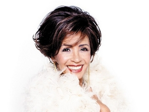 Dame Shirley Bassey artist photo