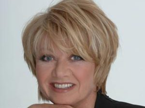Elaine Paige artist photo