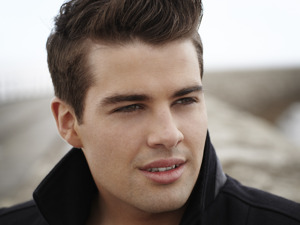 Joe McElderry artist photo
