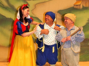 Snow White and the Seven Dwarfs: Lucy Benjamin, Luke Roberts picture