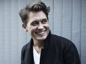 Mark Owen artist photo