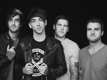 All time low tour dates in Sydney