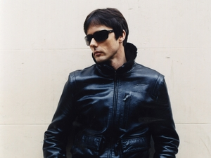 Brett Anderson artist photo