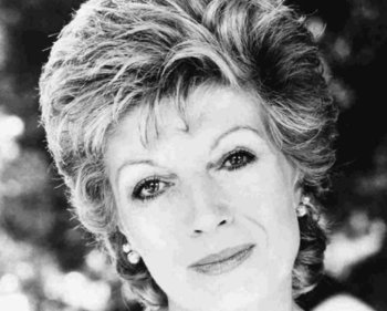 Rula Lenska artist photo
