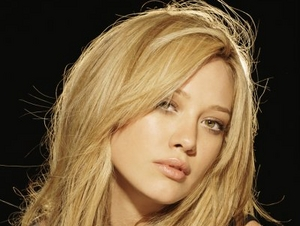 Hilary Duff artist photo