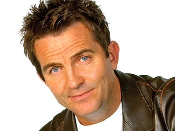 Bradley Walsh artist photo