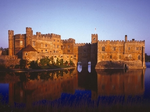 Leeds Castle artist photo