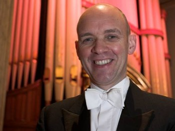 Leeds International Concert Season 2012/13 - Lunchtime Organ Music: Gordon Stewart picture