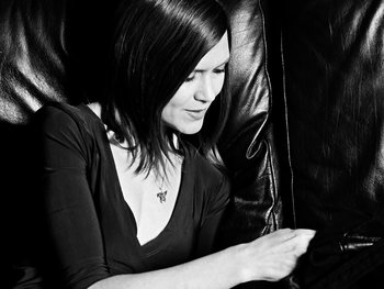 Juliana Hatfield artist photo