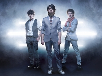 Jonas Brothers artist photo