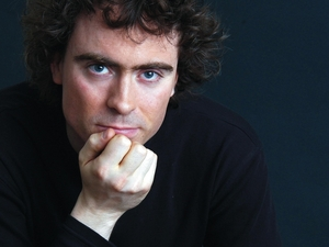 Paul Lewis artist photo