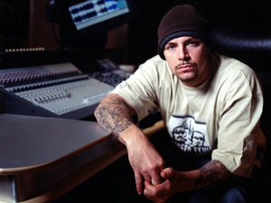 DJ Muggs artist photo