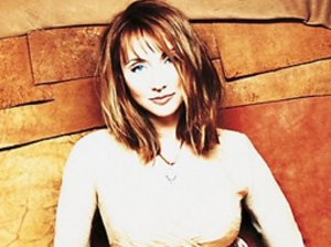 Pam Tillis artist photo