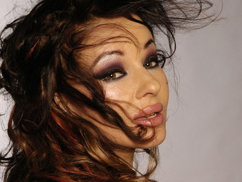 Natacha Atlas artist photo