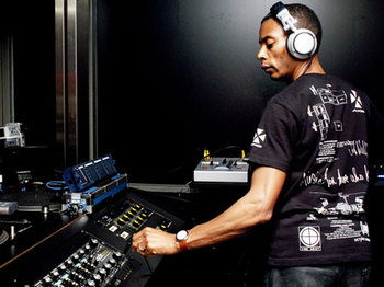 Voodoo 19th Birthday Party: Jeff Mills + Steve Shiels picture