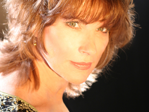 Lisa O'Kane artist photo