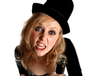 Crack Comedy Club Impro-Don: Pippa Evans picture