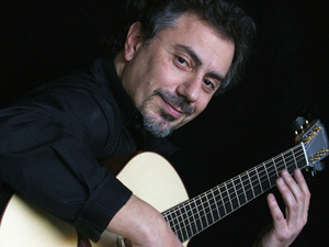 Pierre Bensusan artist photo