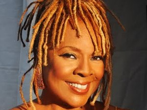 Thelma Houston artist photo