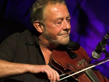 Transatlantic Sessions : Aly Bain + Jerry Douglas + Mary Chapin Carpenter + Eric Bibb + Dirk Powell + Aoife O'Donovan + Bruce Molsky + Teddy Thompson + Emily Smith + Phil Cunningham + Danny Thompson + Russ Barenberg + Michael McGoldrick + John Doyle + John McCusker + James Mackintosh + Donald Shaw picture