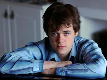 Bright Futures: Benjamin Grosvenor picture