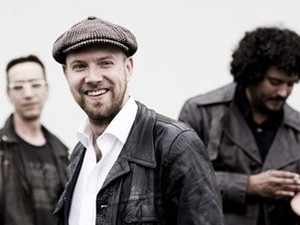 Henrik Freischlader Band artist photo