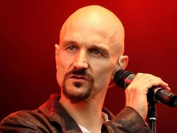 Tim Booth artist photo
