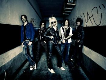 Michael Monroe + Her Dark Embrace + Blackwolf picture