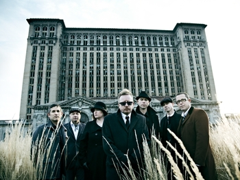 Flogging Molly artist photo