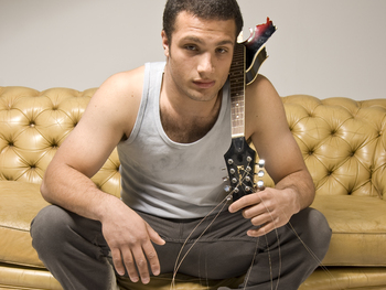 Cosmo Jarvis + Support picture