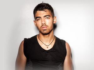 Joe Jonas artist photo