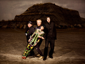 Little Dragon artist photo