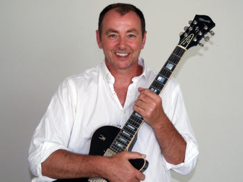 Vampires UK Tour: Francis Dunnery picture