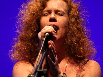 Sarah Jane Morris + Antonio Forcione picture