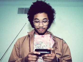 Toro Y Moi picture