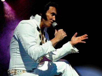 Michael King as Elvis artist photo