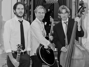 Urban Gypsy Quartet artist photo