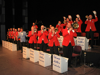 The World Famous Glenn Miller Orchestra: The Glenn Miller Orchestra UK picture