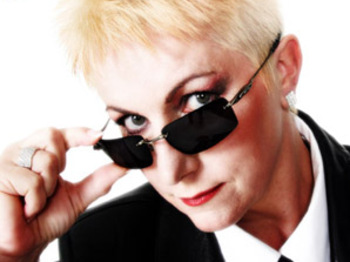 Claire Daniels is So Annie Lennox artist photo