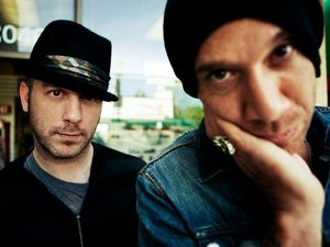She Wants Revenge artist photo