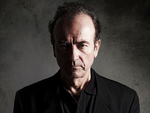 Hugh Cornwell artist photo