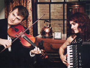 Hannah James & Sam Sweeney artist photo