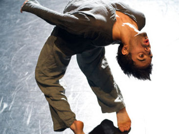 Rising - Aakash Odedra: Aakash Odedra picture