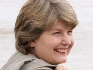 Sandi Toksvig artist photo