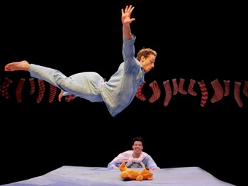 Boing!: Travelling Light Theatre Company, Bristol Old Vic Theatre Company picture