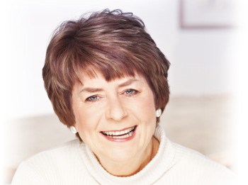 Pam Ayres artist photo