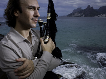 Two Pipers Piping: Carlos Nunez + Philip Pickett + Musicians Of The Globe picture