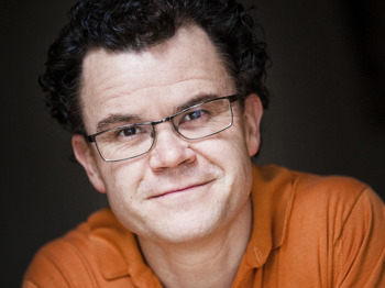 Dominic Holland picture
