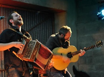 Grand Midwinter Folk Ball: Duo Expire + Moussaka picture