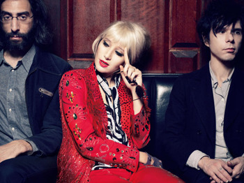 Latitude Festival Warm Up Show : Yeah Yeah Yeahs + The Bots picture